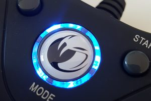 Nacon GC-100XF bouton mode lumineux